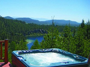 A hottub with a view by Lakeshore Rentals